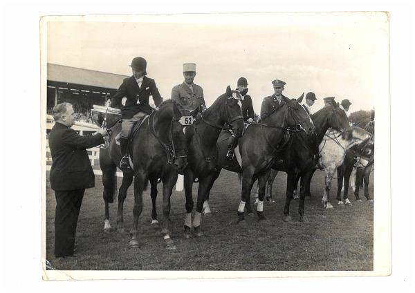 RDS_horseshow_Iris Kellett_Rusty_Dublin_1948.tif